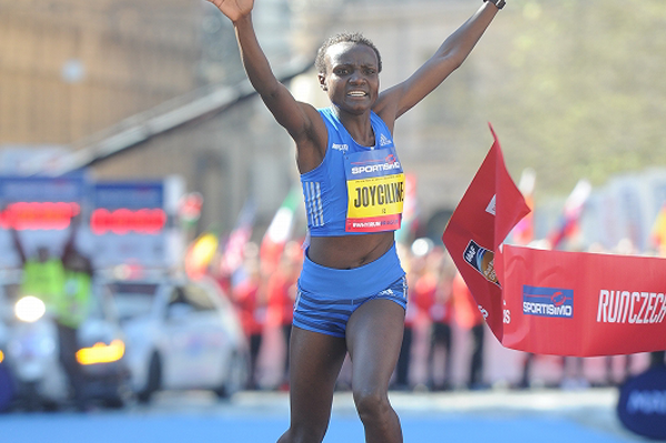 Joyciline Jepkosgei's half marathon world record: A discussion of the progress in female distance running